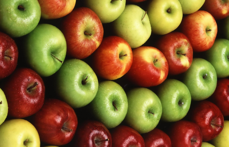 Apples -Nutrition for Kids: 5 Healthy Foods that Improve Dental Health